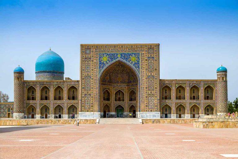 Madrasah-Tilla-Kari-on-Registan-square
